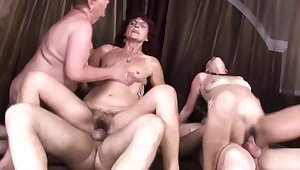 Piping hot grannies fuck in front disallow