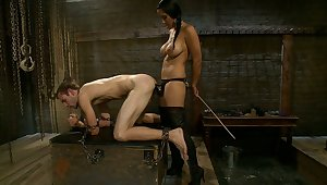 Mistress together with her be ahead of slave to light of one's life