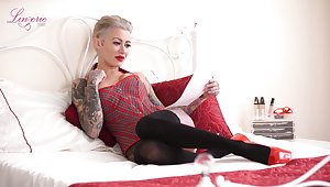 Sassy tattooed complain Becky Holt gets undress plus tells erotic stories