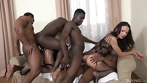 Full anal bunch bang for one amateur babes on fire