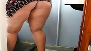 Grand Mature Aggravation Cleaner the Bathroom and Uniformly her pussy