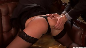 Erotic fucking on the hole up sofa with provocative Jennyfer Beloved
